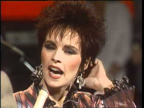 Dick Clark Interviews Sheena Easton - American Bandstand 1985