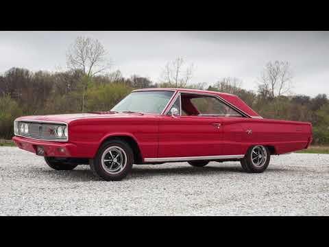 Clash of the Classics - 1967 Chevy II Nova SS vs. 1967 Dodge Coronet R/T HEMI