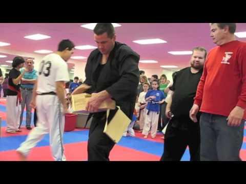 Jesse Stauder – 7 Board Solid Roundhouse Kick Break