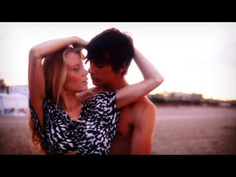 Клип Fonzerelli - Dreamin' (Of A Hot Summers Night)
