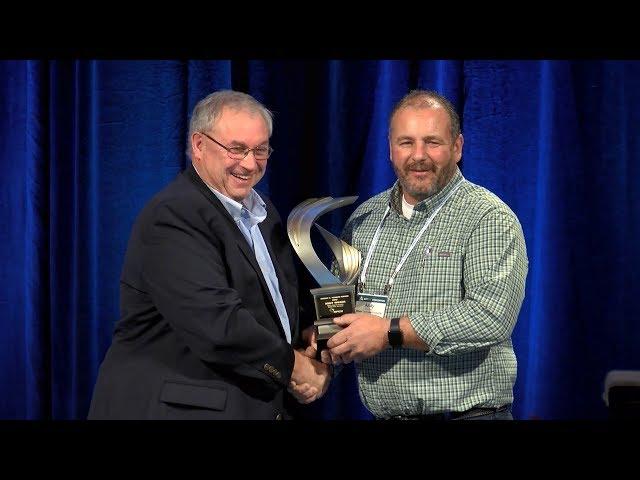 2017 Robert E. Yoakum Award Presented to Andy Wieser