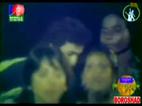 razzak-on-dhaka-86---aaul-baul-laloner-deshey