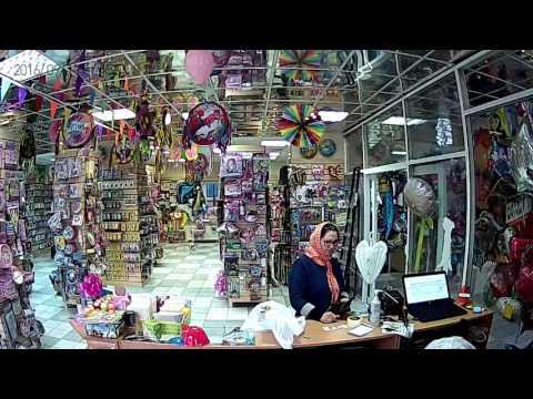 Цыгане разводят продавца