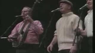 Mountain Dew-Clancy Brothers & Robbie O