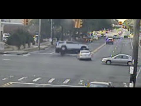 Investigations into Chicago's red light traffic cameras