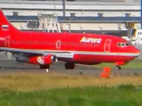 ユジノサハリンスク行オーロラ[ Aurora]航空B737200 レトロJet/NRT16R