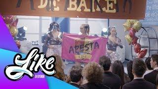 ¡Antonia y Machu protestan en contra de Like! | Like la leyenda - Televisa