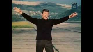 Eduard Khil (mr. trololo) - singing Land of the living (Terre des hommes) english subs