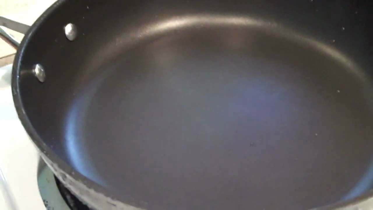 How to clean burnt non stick pan