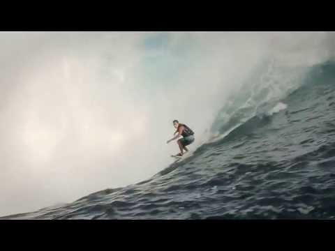 Big wave madness continues in Teahupoo