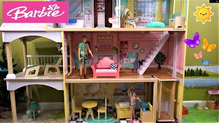 Barbie and Ken Make New Room for Barbie Sister Chelsea and Call Princess Aurora for Sleepover