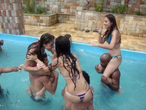 Big Peladinhas na piscina