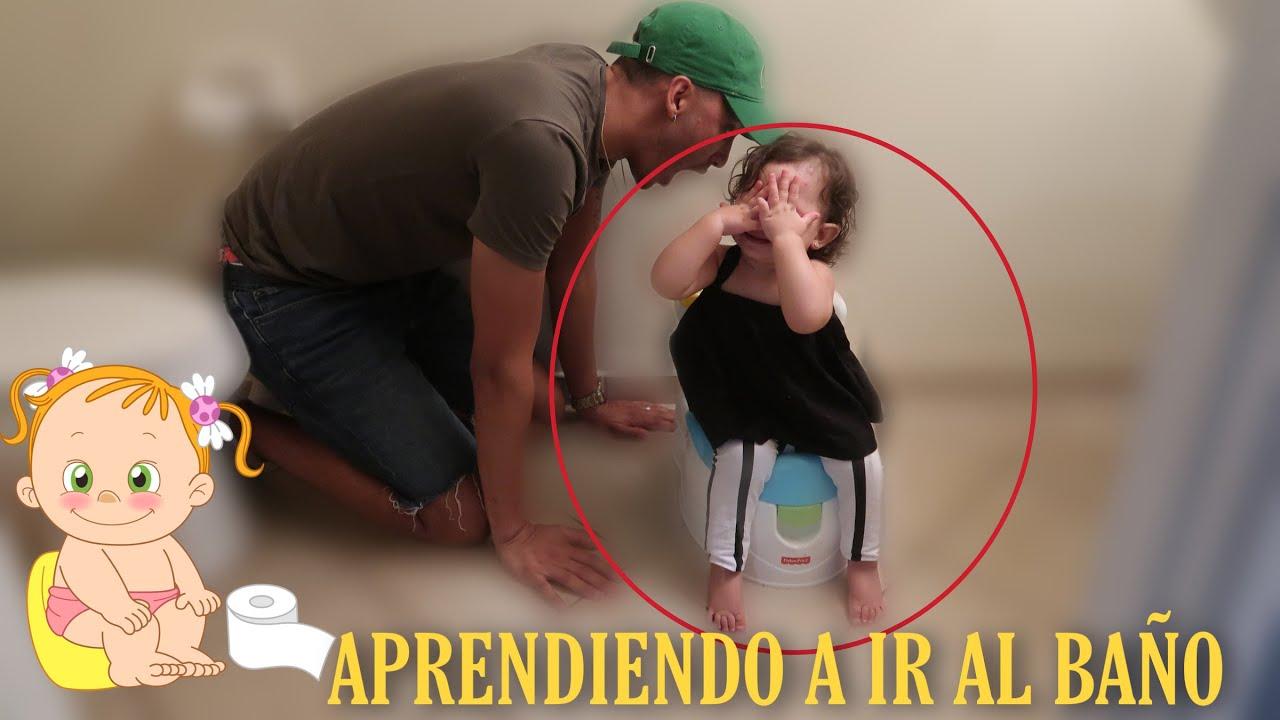 POTTY TRAINING A BELLA ( 1 AÑO ) Papá la entrena para ir al baño !