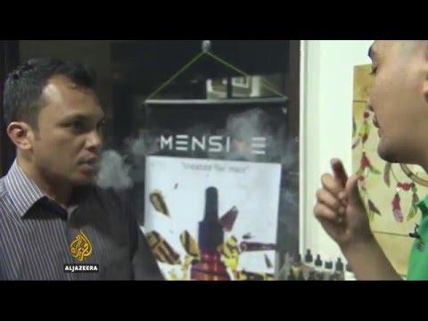 Malaysia considers banning e-cigarettes