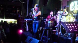 Kiara Luna de plata -  El Sitio Bar