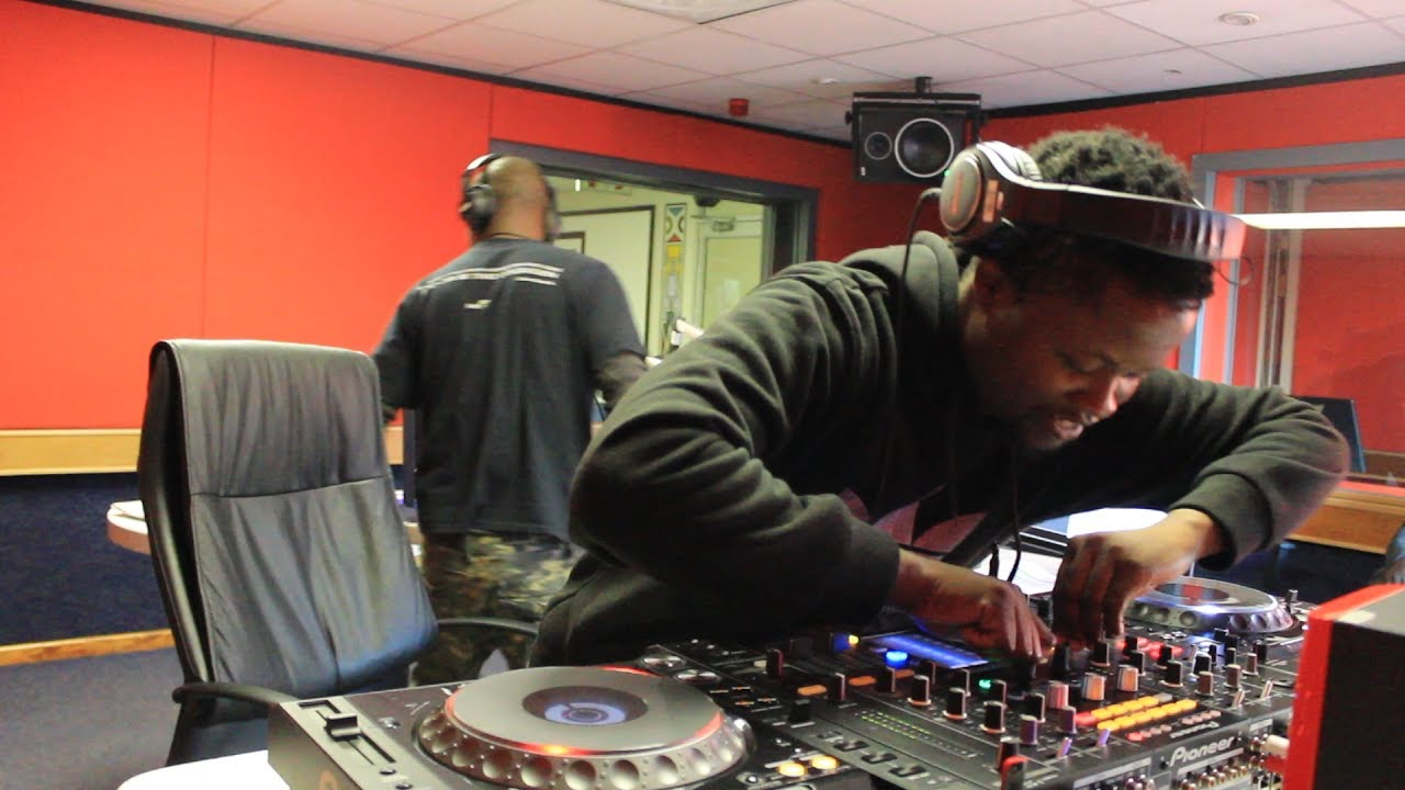Sivukile Breakfast Live Mix By Dj R Voonah 300617 Youtube