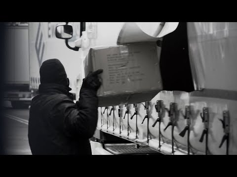 Curtain-ripper on raid! How to protect your cargo.   KRONE TV