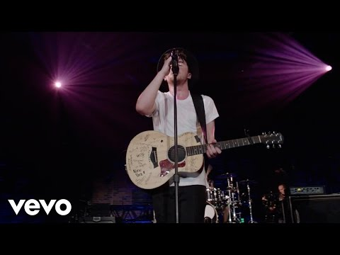Rixton - Me And My Broken Heart (Live) - #VevoHalloween