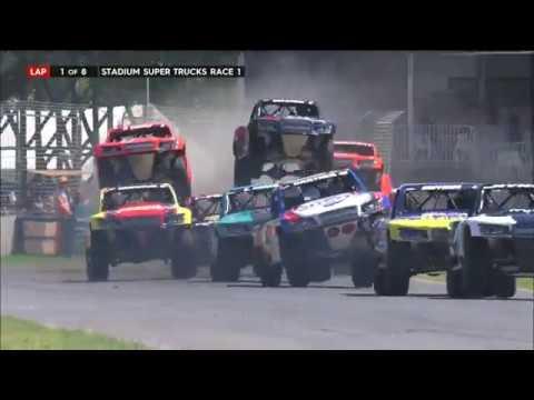 2017 Clipsal 500 Stadium SUPER Trucks Race 1