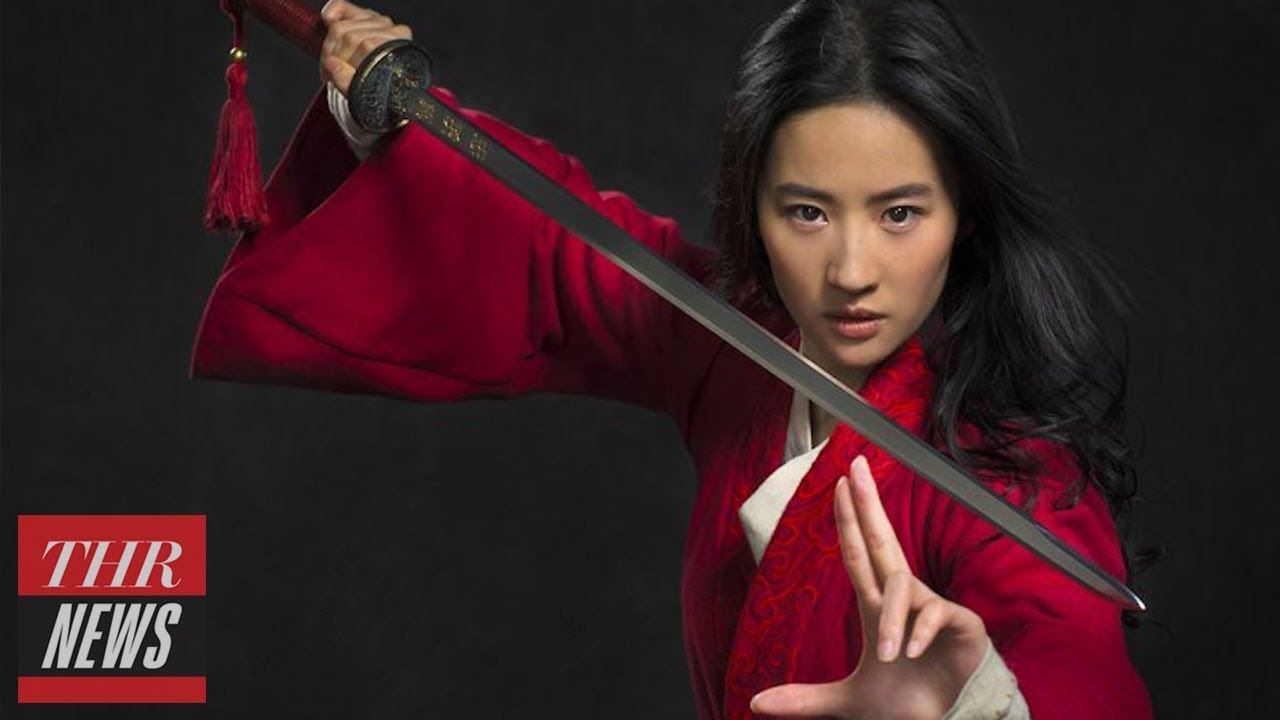 Disney Unveils First Look at Star Liu Yifei in Live-Action 'Mulan' | THR News