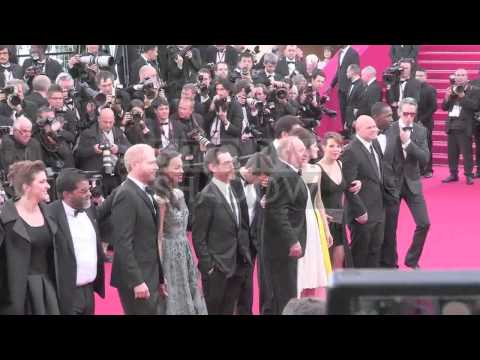 """Guillaume Canet, Clive Owen, Marion Cotillard and more on the """"Blood Ties"""" red carpet in Cannes"""