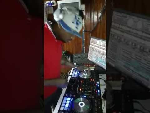 DJ CHRISTIAN BOBBY 1er DEMO MIX