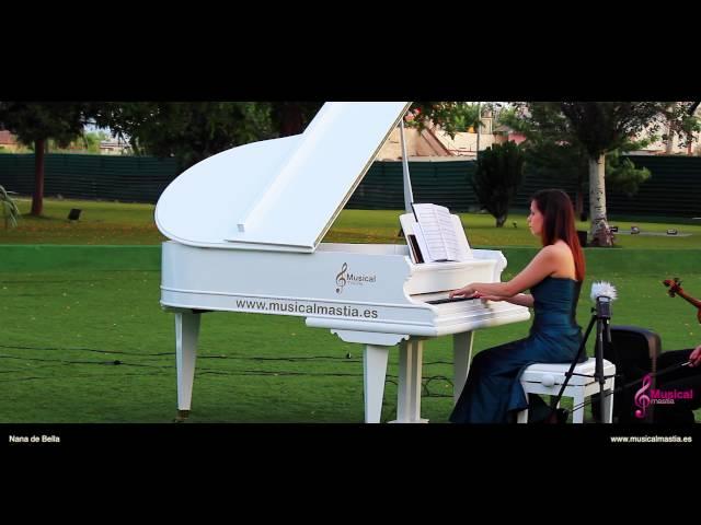 Nana de Bella Crepusculo piano de cola blanco Restaurante Promenade Bodas Murcia