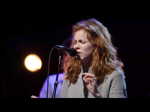 The Whole World (Spontaneous Worship) - Steffany Gretzinger, Amanda Cook and Sean Feucht