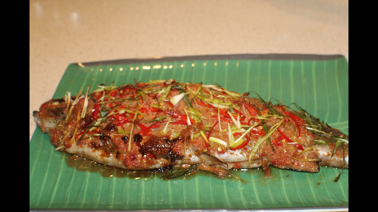 Baked whole fish with spicy tamarind and chillie sauce for Whole fish recipes