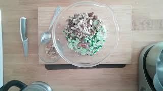 Салат с курицей и грибами IЭкономное праздничное меню