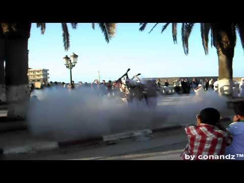 El-Kala - Un bombardement dans le cour da baris (-18) 16/9