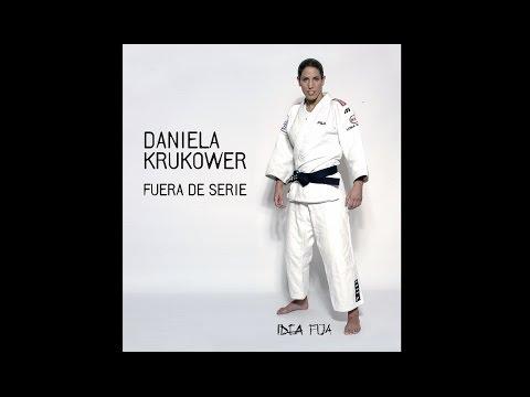 Daniela krukower fuera de serie youtube for Videos fuera de youtube