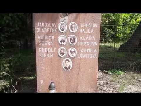 Oleška - Pomník Obětem 1 A 2 Světové Války