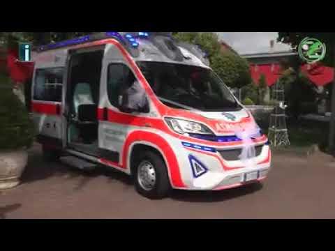 Matrimonio In Ambulanza : Campania sposa arriva al matrimonio a bordo di un ambulanza