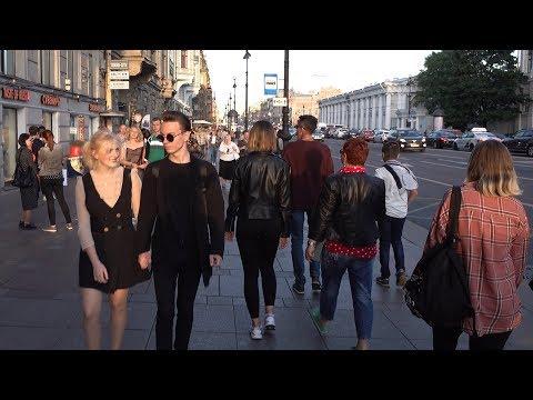 Walking In St Petersburg Russia - Nevsky Prospekt