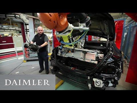 Mensch-Roboter-Kooperation im Mercedes-Benz Werk Bremen