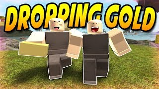 GIVING GOLD TO NOOBS (ROBLOX Booga Booga)