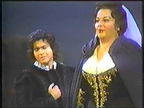 "Luis Lima and Enriqueta Tarres singing Verdi's love duet from ""Un ballo in maschera"""