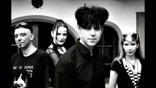 Clan Of Xymox... A Forest (Cure's Song)