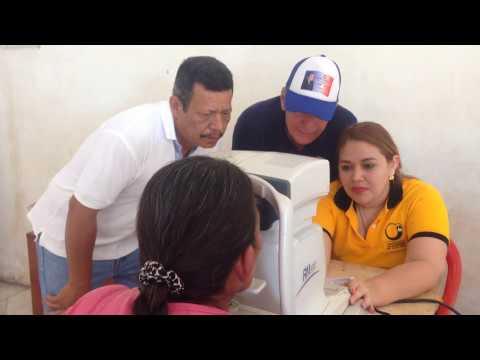 Carlos Gutiérrez, alcalde de Yucuaiquín realiza jornada oftalmológica