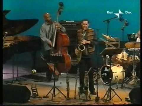 Jackie McLean Quintet - Umbria Jazz 04 - Mr. E part one.wmv