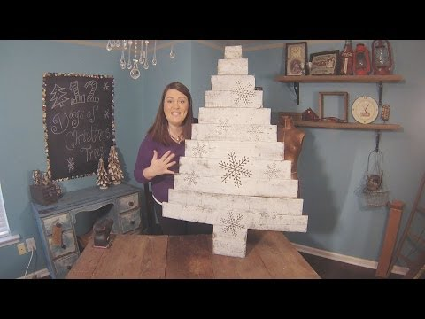 How to Make a DIY Wood Pallet Christmas Tree