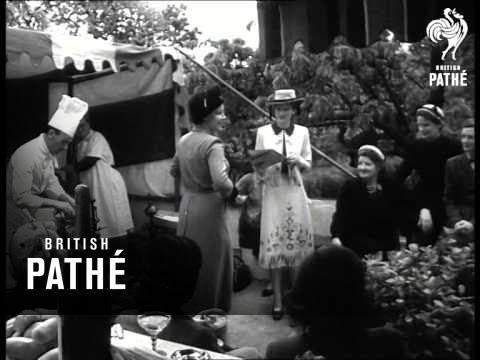 Outsize Fashions (1951)