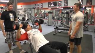 Trochu Jiny trenink Prsa,triceps s Mr.Slavkem a Martin Mester IFBB PRO`S