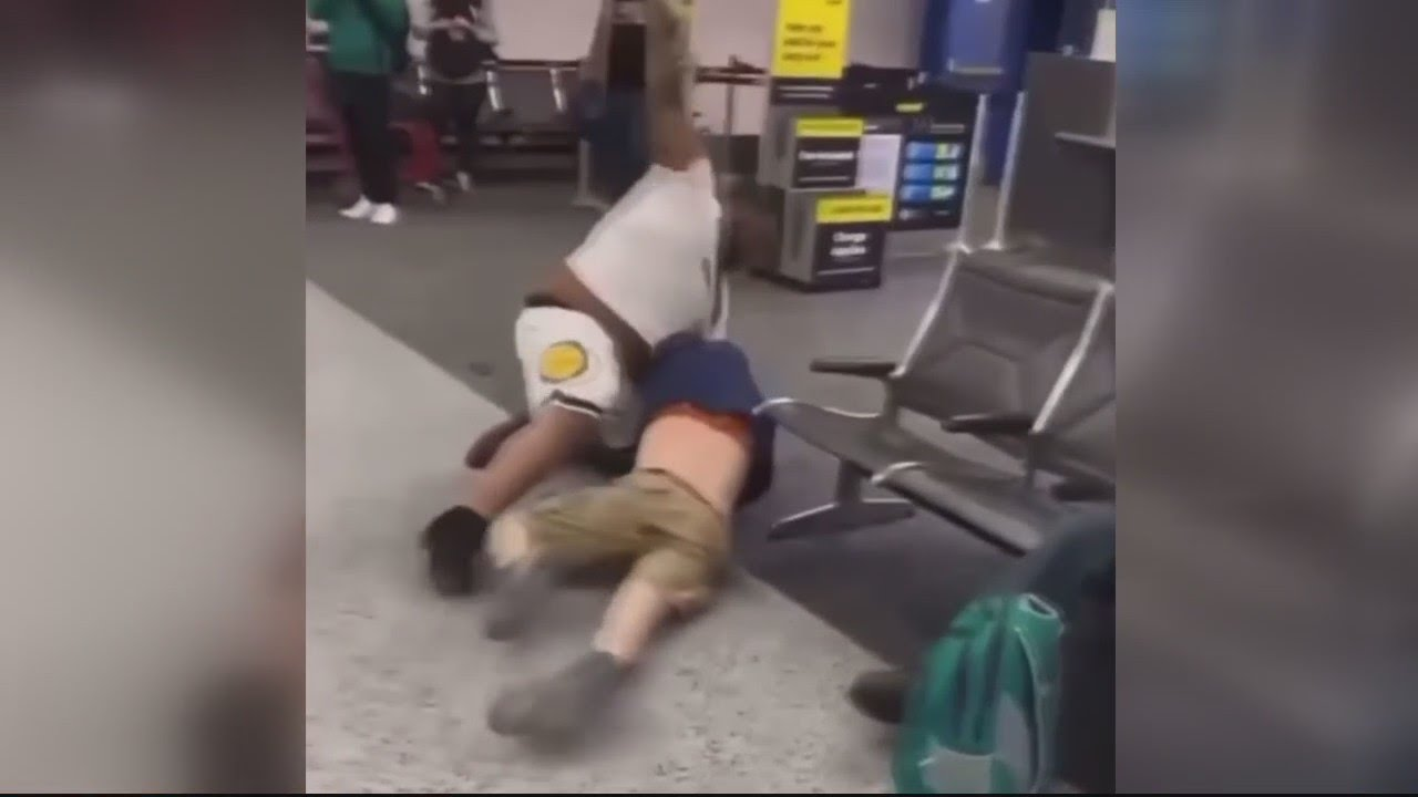 Download Spirit Airlines passengers brawl inside Detroit Metro Airport