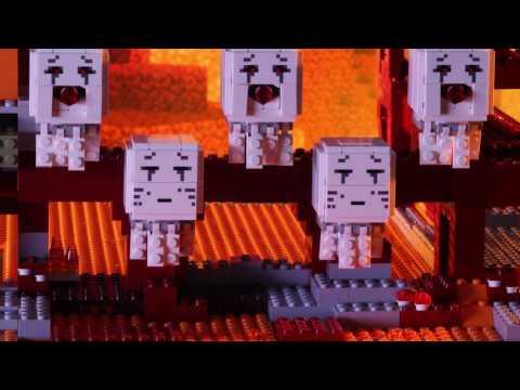 LEGO® Minecraft™ — Forteca Netheru