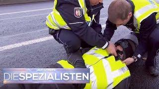 Motorradunfall in der Fahrschule: Wurde er absichtlich angefahren? | Die Spezialisten | SAT.1 TV