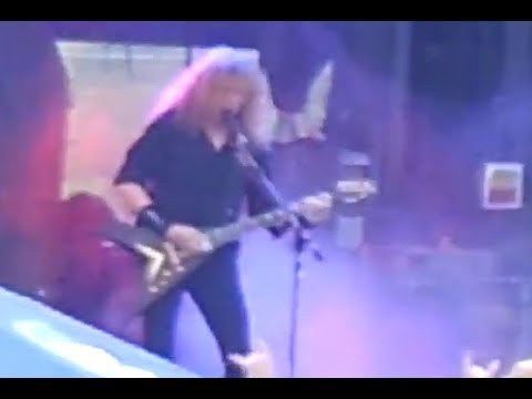 "MEGADETH performed the song ""The Conjuring"" live for first time since 2001!"