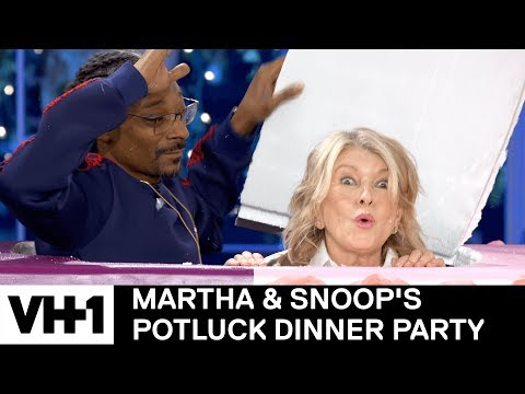 watch-the-first-6-minutes-of-martha-&-snoop's-potluck-dinner-party-season-2-premiere