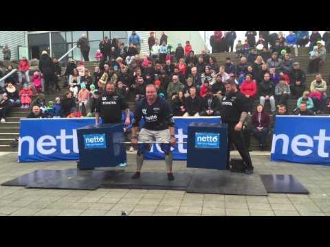 Derek Devaughn of the USA does a deadlift max ladder Iceland 2015